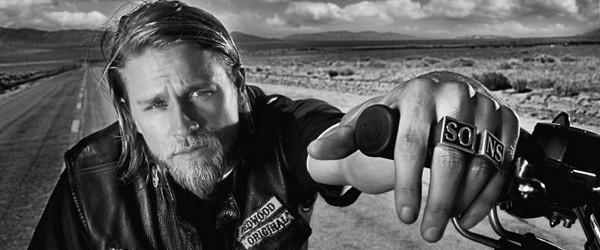 Charlie Hunnam abandonne 50 Nuances de Grey