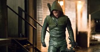 Oliver Queen devient le Green Arrow sur une première image !