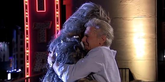 Han Solo se réconcilie avec Chewbacca sur Hello d'Adele