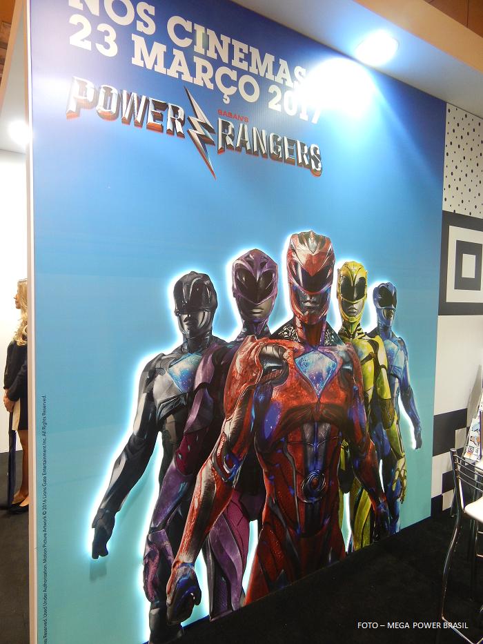 Les nouveaux Power Rangers s'affichent en costume !1