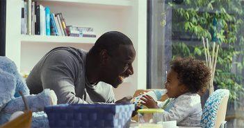 Demain tout Commence : Omar Sy élève sa fille dans la bande-annonce !
