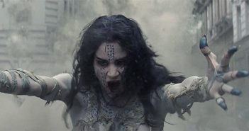 Avec le reboot de La Momie, Universal lance le coup d'envoie de son univers monstrueux et le monstre momifié se dévoile dans un premier teaser et une affiche officielle.