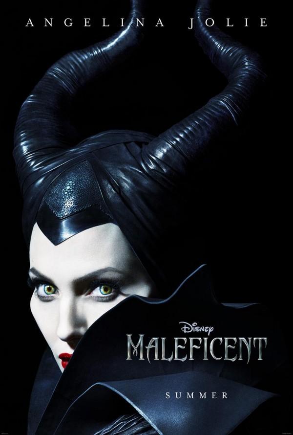 Première affiche pour Malificent: Angelina Jolie la sorcière
