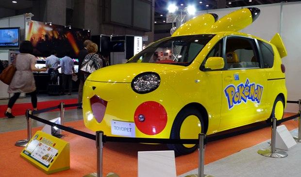 Les Toyopets, 2 voitures Pokémon Toyota_toyopet-pokemon-pikachu-fennekin-car-tokyo-toy-show-2014-1