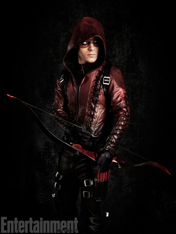 "Arrow : Roy ""Speedy"" Harper en costume d'Arsenal !"