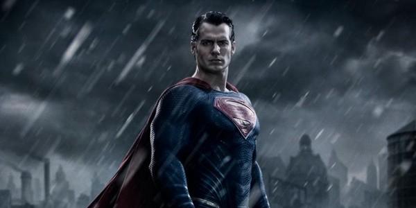 Superman accepte le ALS Ice Bucket Challenge !