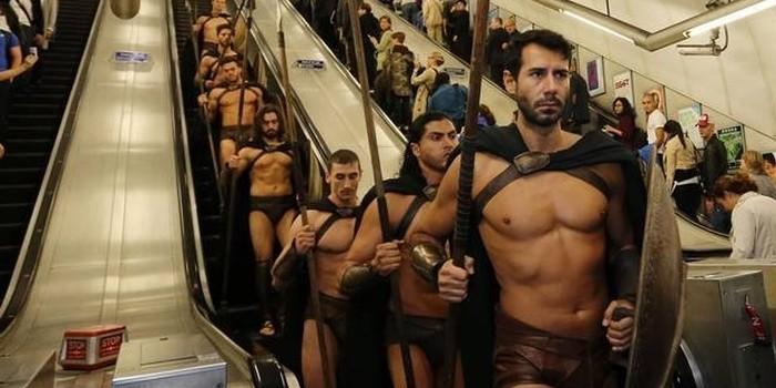 Des spartiates dans le métro !