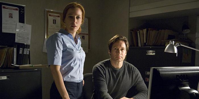 Mulder et Scully réouvrent leurs X-Files 14 ans plus tard !