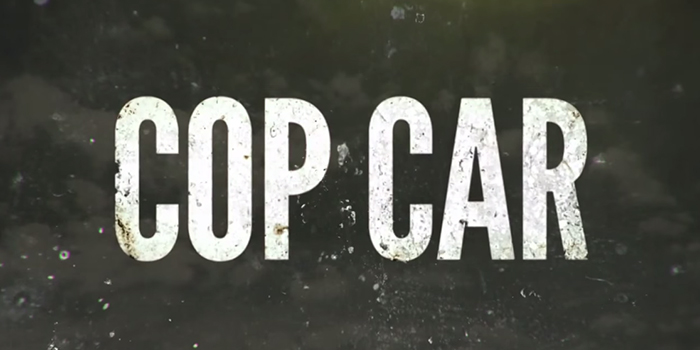 Un Kevin Bacon moustachu pour le trailer de Cop Car !