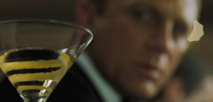 Une Heineken pour monsieur… Bond. James Bond.