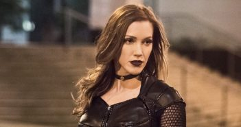 Katie Cassidy va apparaître dans Arrow, Flash, Supergirl et les Legends !