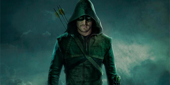 Arrow saison 5 : Oliver Queen surveille Star City dans un poster