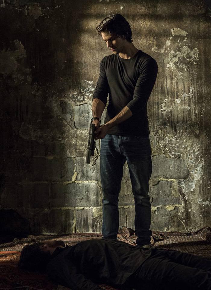 Dylan O'Brien est un American Assassin dans la première image !