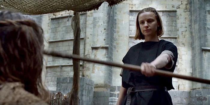 La Sans-Visage de Game of Thrones quitte facebook après harcèlements !