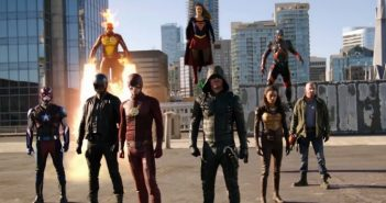 heroes-vs-aliens-le-trailer-du-crossover-arrow-flash-supergirl-legends