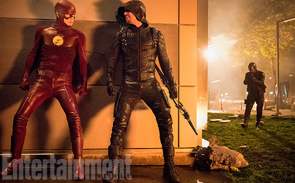 Le crossover Arrow/The Flash/Legends of Tomorrow se dévoile avec des images officielles