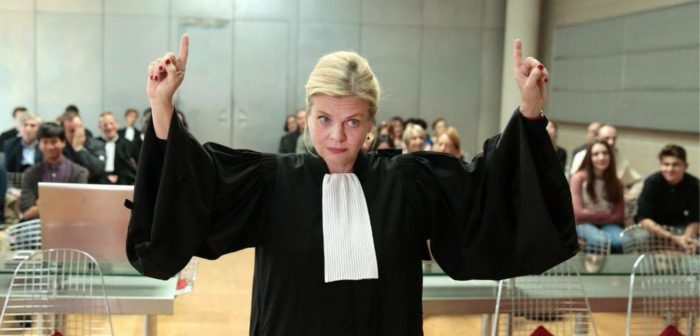 [Critique] Munch S01E01 : avocate du/et diable