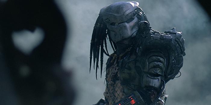 The Predator accueille Olivia Munn pour un affrontement en banlieue !