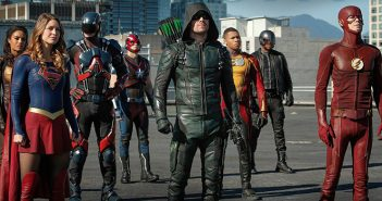 [Critique] Heroes vs Aliens Crossover : le point d'orgue du Arrowverse !