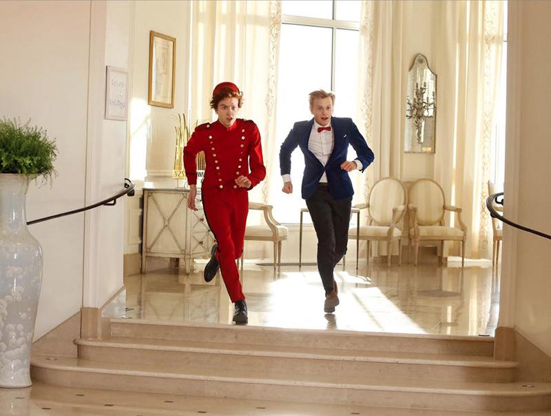 Spirou et Fantasio : une première image officielle les montre en costume !