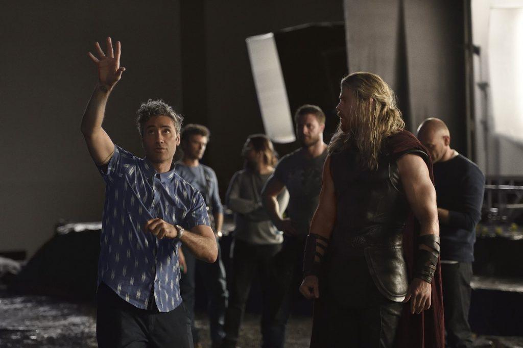 Thor : Ragnarok : une image et un combat contre Hulk au programme !