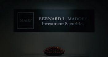 Wizard of Lies d'HBO dévoile son trailer juridique avec De Niro en escroc !