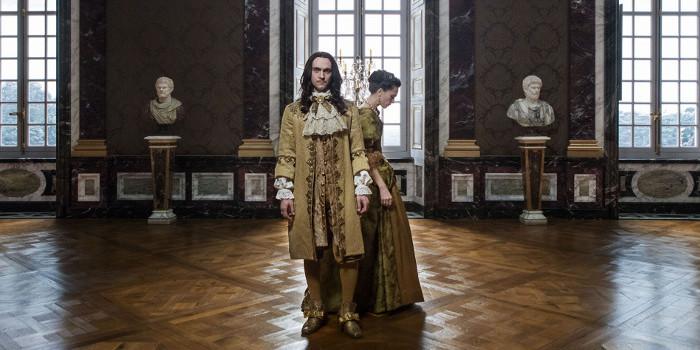 Versailles S2 critique