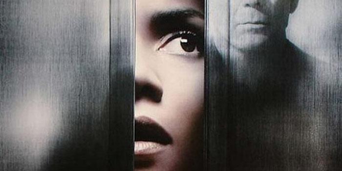 Derrière les portes - un thriller psychologique à la Hitchcock