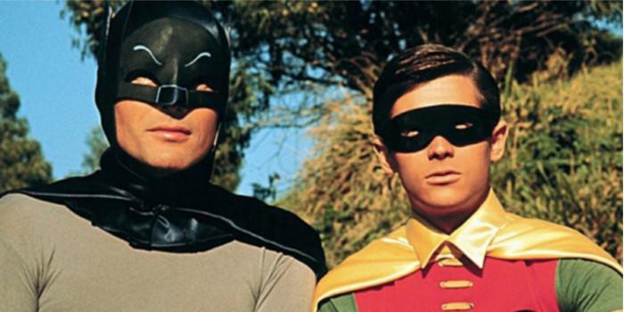 Ben Affleck, Val Kilmer… les interprètes de Batman rendent hommage à Adam West