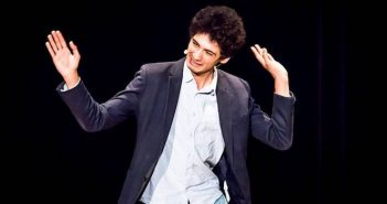 [Critique Théâtre] Prenez de la hauteur avec Réda Seddiki dans deux mètres de liberté2
