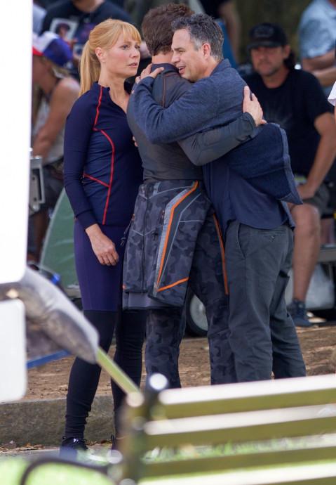 Alors que le tournage de Avengers 4 continue sous la direction des frères Russo, il semblerait que des photos du set prévoient de donner matière à un événement annoncé dans Spider-Man : Homecoming.