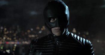 Gotham : Bruce Wayne se transforme en Batboy dans un nouveau trailer