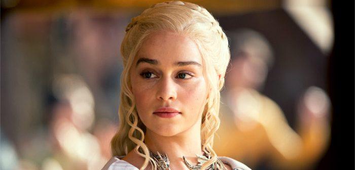 Game of Thrones : pour la saison 8, Emilia Clarke laisse tomber la perruque !