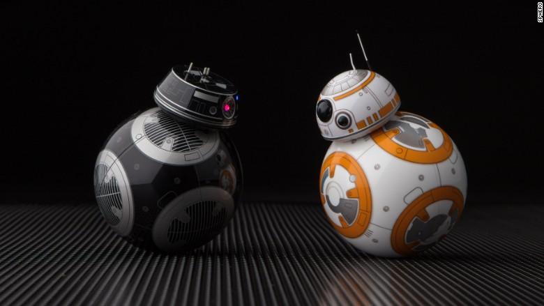 Star Wars VIII : découvrez le dark BB-8 des Derniers Jedi, le droïde BB-9E