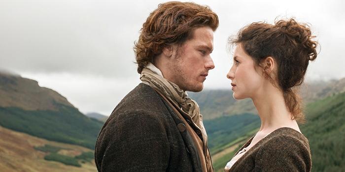 Claire et Jaime se retrouvent dans un teaser bouillant de Outlander !