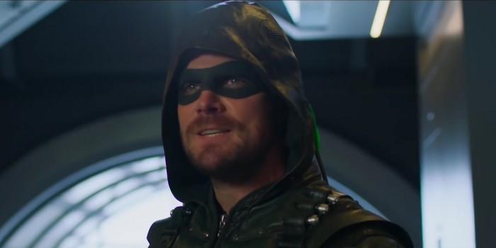 Les super-héros de The CW enfilent leurs costumes avant leur retour !