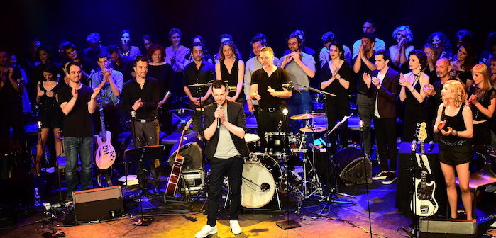 Spectacle Les Funambules-50 artistes unis sur scène pour lutter contre l'homophobie1
