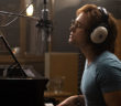 Rocketman : Taron Egerton chante Elton John dans la featurette !