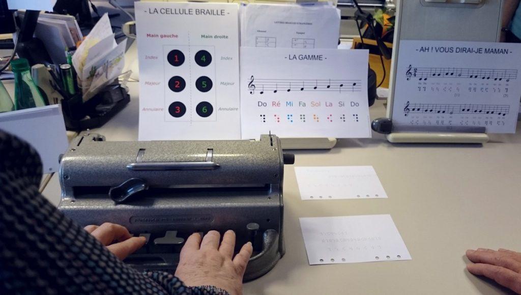 La lecture pour tous : l'impression braille, presse et livres_machines à écrire Perkins et partitions