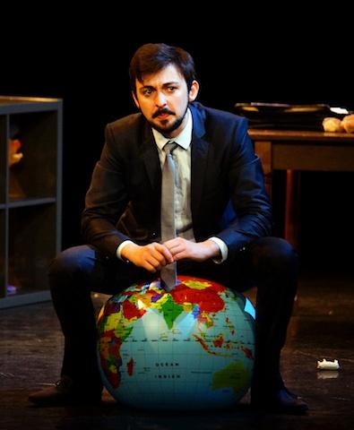 Critique-spectacle-Lhomme-qui-vendra-le-monde2