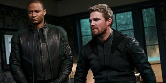 Critique Arrow saison 8 épisodes 1 & 2 : le meilleur pour la fin ?