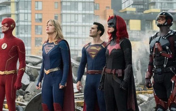 Le Arrowverse tease son Crisis on Infinite Earths