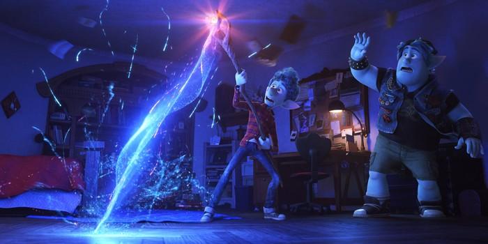 Critique En Avant : un très bon Pixar plein de magie et d'émotion