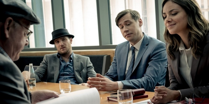 La Folie des hauteurs : Le Loup de Wall Street en version série B de Netflix
