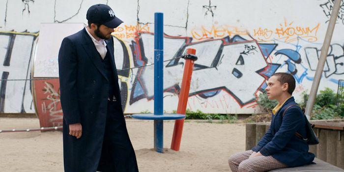 Critique Unorthodox saison 1 : immersion fascinante dans la communauté ultra-orthodoxe
