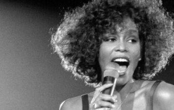 Whitney Houston : un biopic par le scénariste de Bohemian Rhapsody en chantier