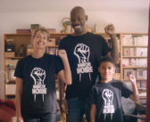 Critique Tout simplement noir : la comédie haute en couleurs