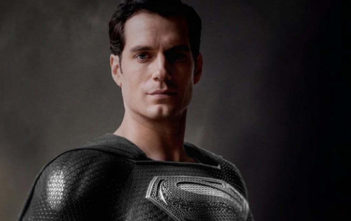 Superman tease son costume noir dans un extrait de la Snyder Cut