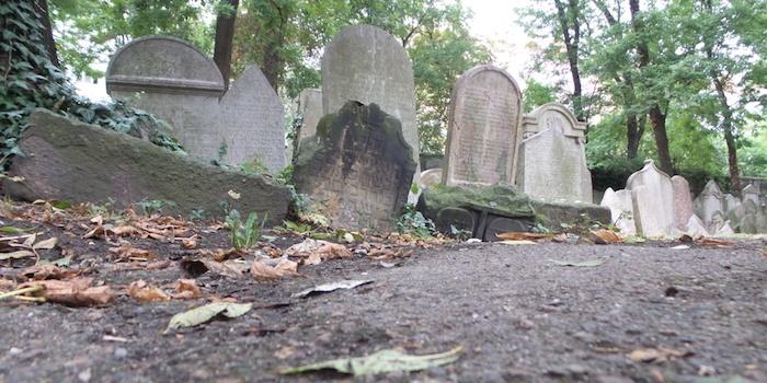 Critique Livre – Le Grand livre du Père Lachaise fait revivre les morts