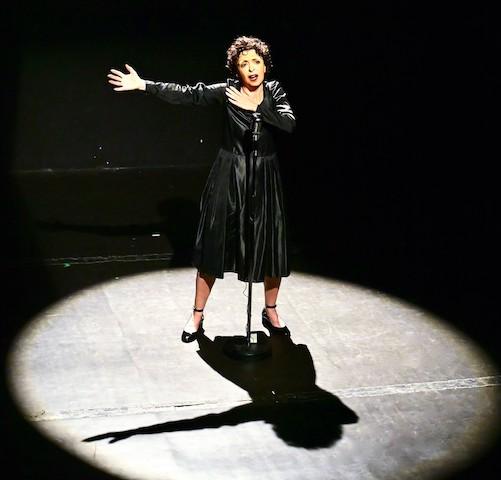 Critique Édith Piaf, je me fous du passé3